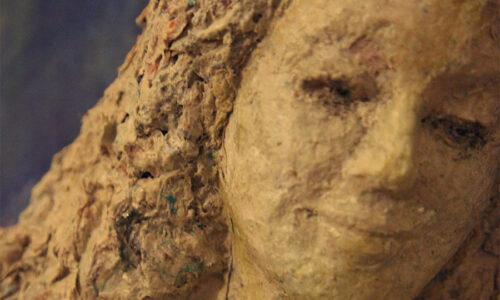 Nur Esen - Tuval Üzerinde Kadın Heykeli